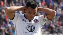 Familia de Esteban Paredes fue agredida por hinchas de la U en el Estadio Nacional