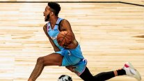Derrick Jones ganó el concurso de clavadas del Fin de Semana de las Estrellas de la NBA