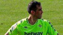 Claudio Bravo entrenó diferenciado y está en duda para el duelo de Betis contra Eibar