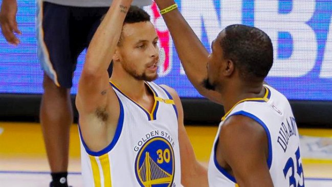 Stephen Curry lideró el triunfo de Golden State Warriors sobre Miami Heat