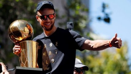 Golden State Warriors celebró su quinto título de la NBA en Oakland