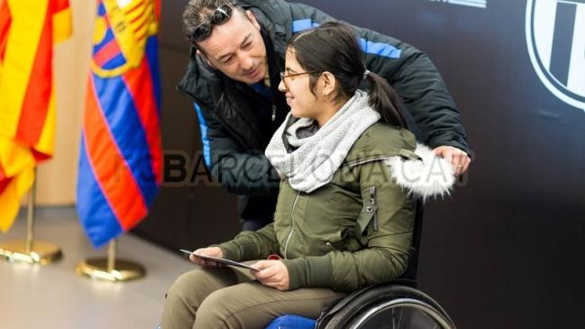 Felicitaciones De Navidad Del Fc Barcelona.La Historia De Una Refugiada Siria Inspiro La Campana De