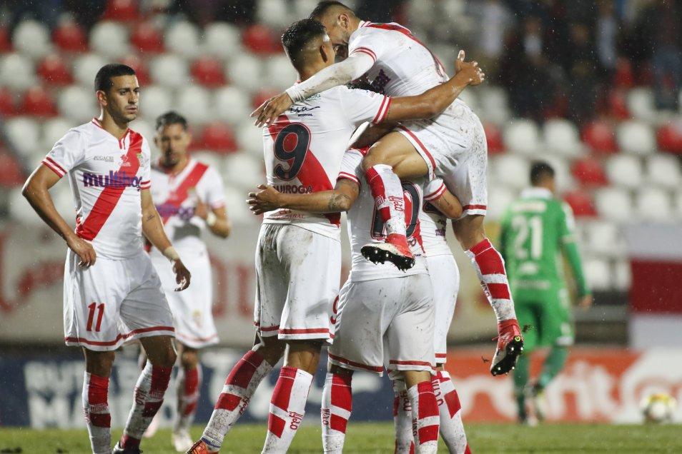 Curicó Unido venció por 3-0 a Audax Italiano, en el Estadio La Granja, y sumó su primer triunfo en el Campeonato Nacional 2018.