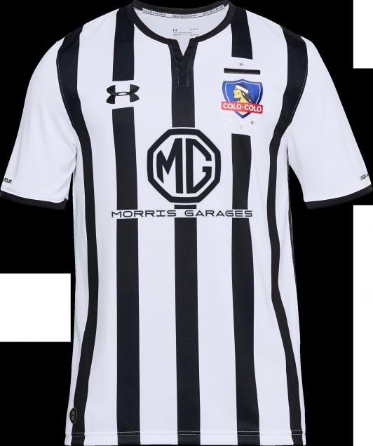 f6171d67afbf3 Fotos  Colo Colo presentó oficialmente su tercera camiseta para la ...