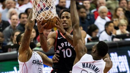 Washington Wizards se hizo fuerte de local y descontó en la serie ante Toronto Raptors