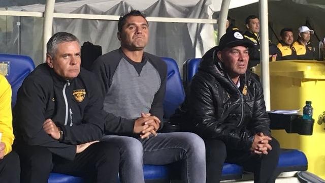 Fernández Vial anunció la salida del técnico Esteban Fuertes