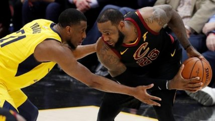 LeBron James en modo play-offs: Anotó el triple de la victoria al son de la chicharra