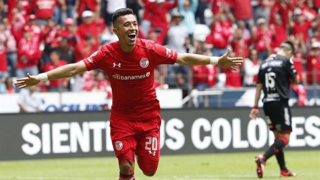 Con triplete de Uribe, Toluca va a la final