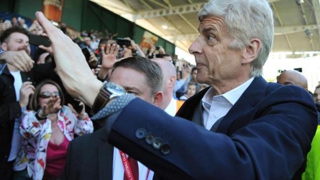 Arsene Wenger seguirá ligado al fútbol tras su salida de Arsenal