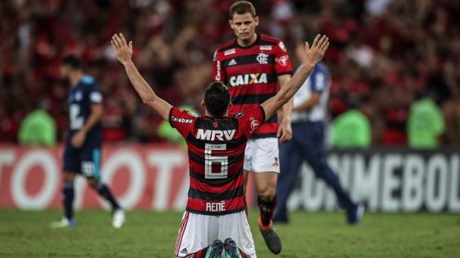 Sin Guerrero, Flamengo venció a Emelec y aseguró su clasificación
