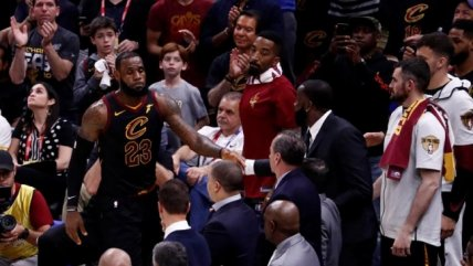 El enorme gesto de LeBron James en la final de la NBA