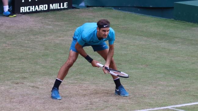 Federer continúa inalterable y pasa a semifinales en Halle