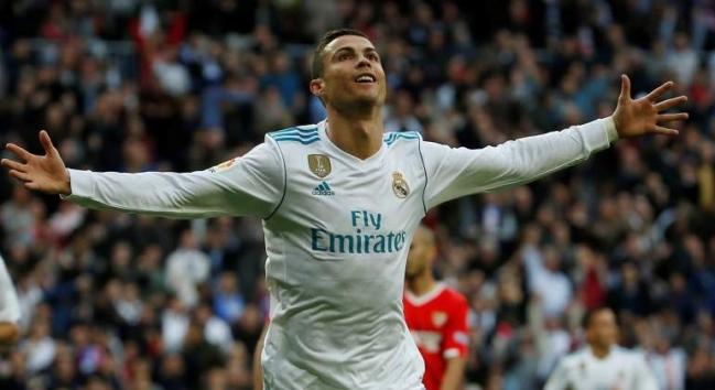 Cristiano Ronaldo celebra, junto a su familia, su nueva etapa profesional