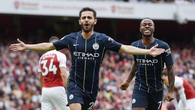 Manchester City de Claudio Bravo derrotó a Arsenal en su debut en la Premier League
