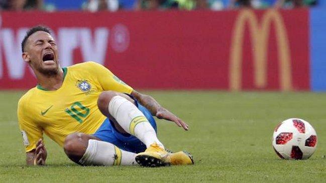 """Bomberos de Dublín recomendaron """"hacer un Neymar"""" en caso de incendio"""