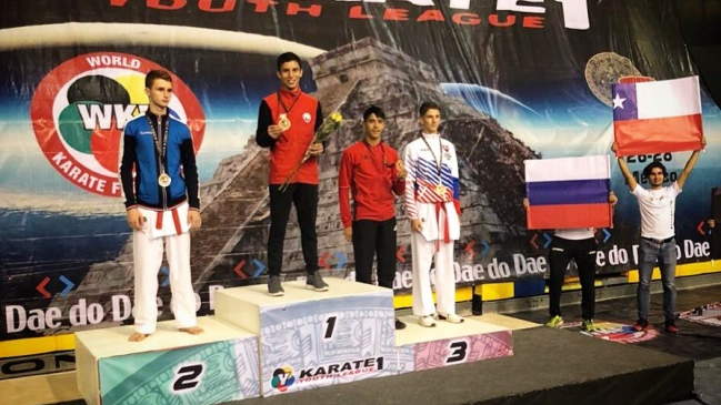 Maximiliano Flores obtuvo medalla de oro en la Karate 1 Youth League de Cancún
