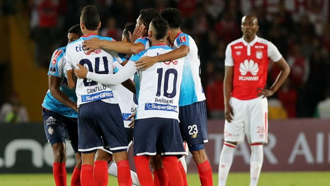 Foto  EFE Junior doblegó a Independiente Santa Fe y acaricia la final de la  Copa Sudamericana d22067b21e158