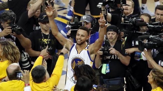 Griffin y los Pistons amargan el regreso de Stephen Curry