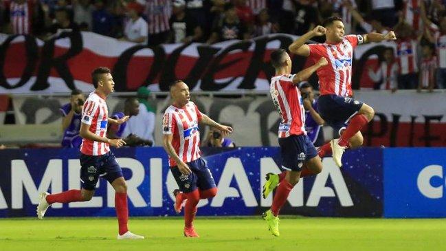 Foto  EFE Junior y A. Paranaense buscan tomar ventaja en la primera final de  la Copa Sudamericana c800d51be1794