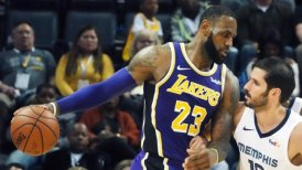 LeBron James fue protagonista en victoria de Los Angeles Lakers sobre Memphis Grizzlies