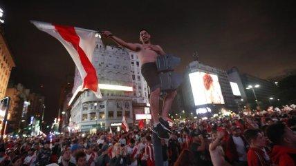 La multitudinaria celebración de los hinchas de River en el Obelisco