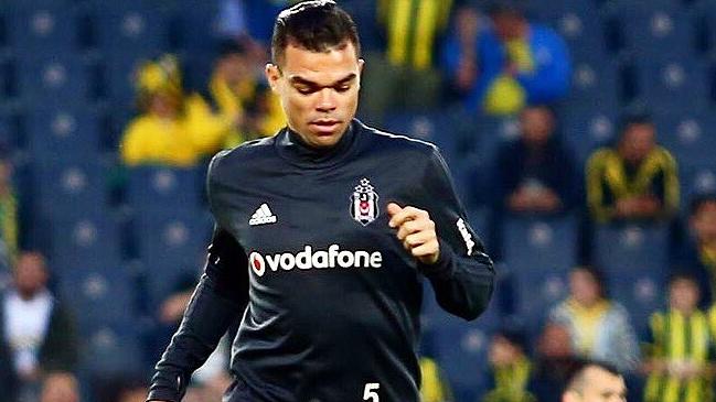 ¡Espléndido! Pepe paga sueldo a empleados de Besiktas