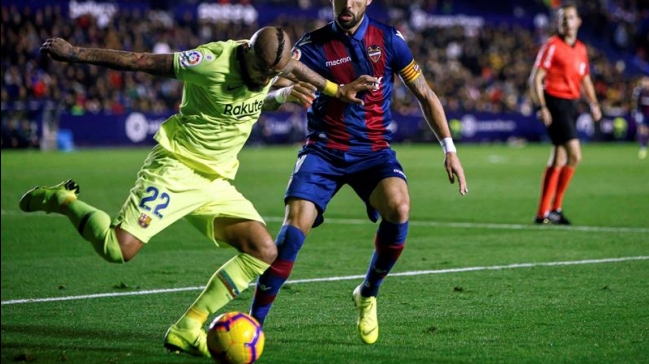Hatt-trick de Messi en la goleada ante el Levante