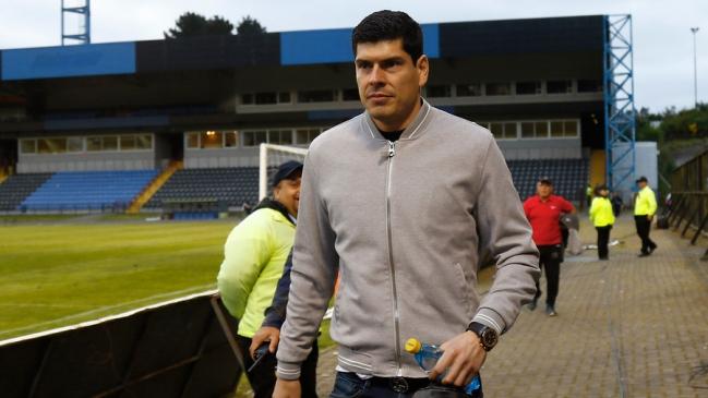 Hinchas de Boca Juniors piden la continuidad de Carlos Lampe