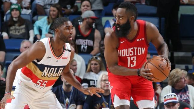 Los Rockets superan a los Pelicans con 41 puntos de Harden