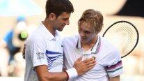 Djokovic superó a Shapovalov y chocará con Medvedev en octavos de final en Australia