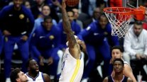La salvaje clavada de DeMarcus Cousins en su debut por Golden State Warriors