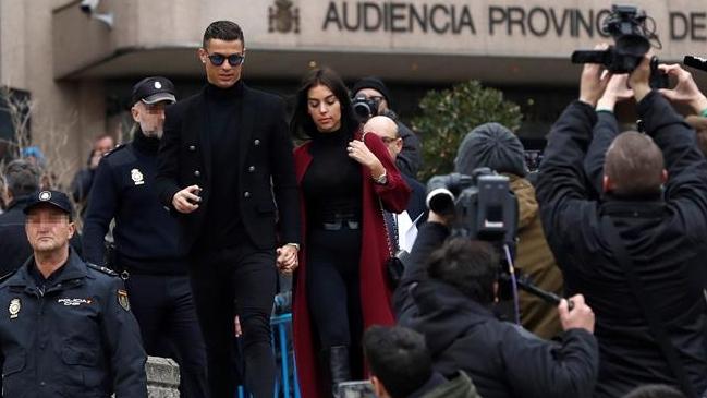 8dea492bf2 Foto: EFE Cristiano Ronaldo fue condenado a 23 meses de cárcel y a pagar 18,8  millones de