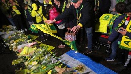 Hinchas de Nantes y del fútbol francés hacen cadenas de oración por Emiliano Sala