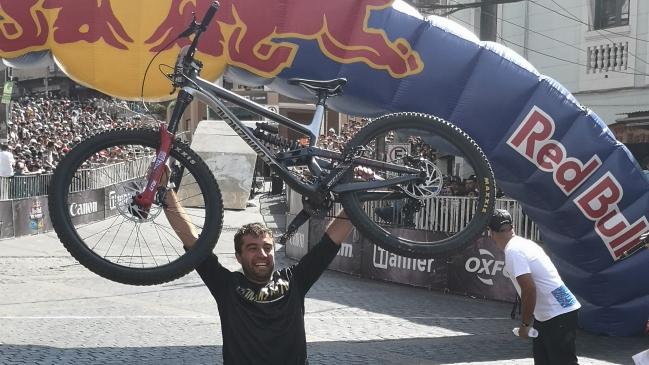 Pedro Ferreira es el campeón del Red Bull Valparaíso Cerro Abajo