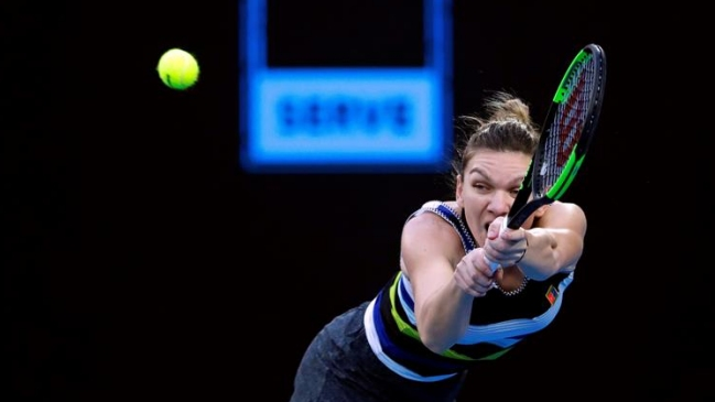 Simona Halep arrolló a Lesia Tsurenko y avanzó a cuartos en Doha