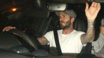 Beckham puede ser llevado a juicio tras ser captado hablando por teléfono mientras conducía