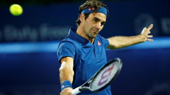 Roger Federer regresa con victoria a Dubai