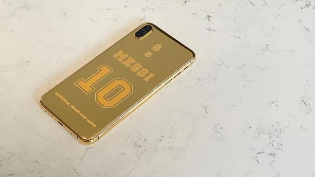 El nuevo celular de Messi bañado en oro