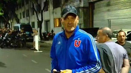 Legendario portero argentino llegó al estadio de Huracán con una chaqueta de la U