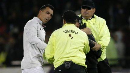 Esteban Paredes ofreció disculpas a los guardias por conflicto con un hincha dentro de la cancha