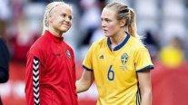 El beso de dos rivales que son pareja que se viralizó en el Mundial Femenino