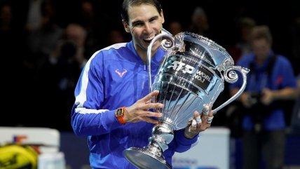 Rafael Nadal recibió el trofeo de número uno del mundo