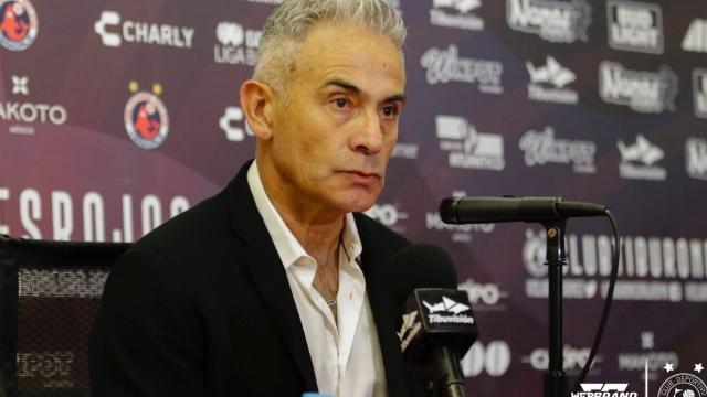 Juvenal Olmos: Yo pondría a Marco Antonio Figueroa en la selección chilena - AlAireLibre.cl