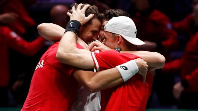 Pospisil y Shapovalov meten a Canadá en su tercera semifinal de Copa Davis