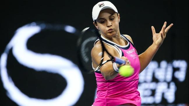 La número uno mundial Barty cae en la primera ronda en Brisbane