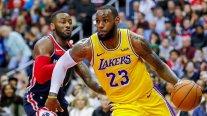 La NBA analiza reducir sueldos a la mitad y realizar toda la fase final en Las Vegas