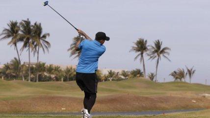Nicolás Castillo sorprendió jugando golf durante su recuperación
