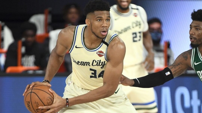 Antetokounmpo comandó frenético triunfo de Milwaukee Bucks ante Boston Celtics en la NBA