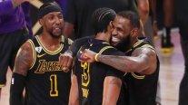 Los Angeles Lakers ganó infartante duelo a Denver Nuggets y aumentó su ventaja en la final del Oeste