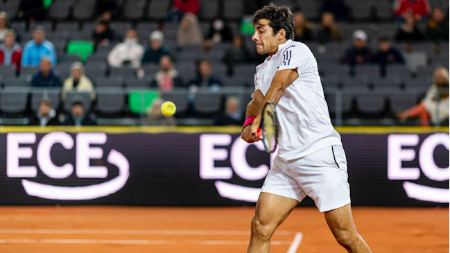 Cristian Garin batalló, pero cayó ante Stefanos Tsitsipas en las semifinales del ATP de Hamburgo